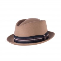 Cayambe Diamond New Era Trilby camel